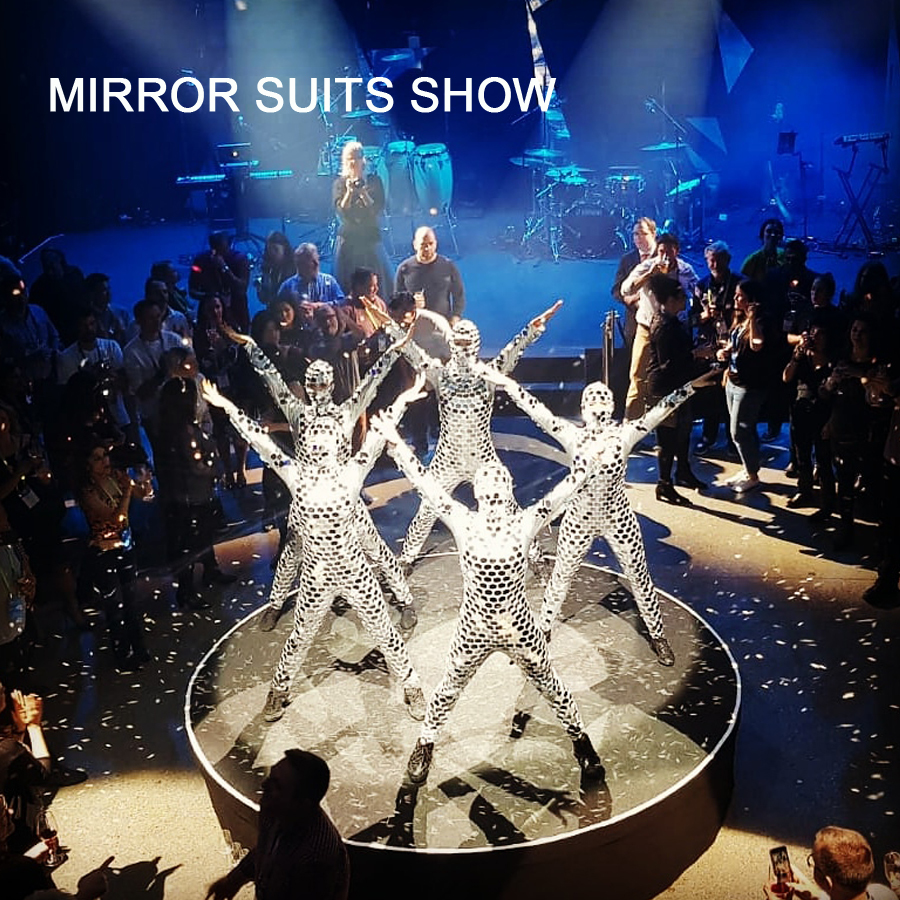 Tanzauftrag Mirror Suits Show - Fotocredit: MusicArtsVienna